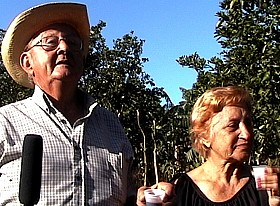 Cuba_farm_couple_small