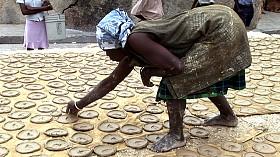 Haiti_cookielady