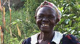 Kenya_LadyFarmer2_small